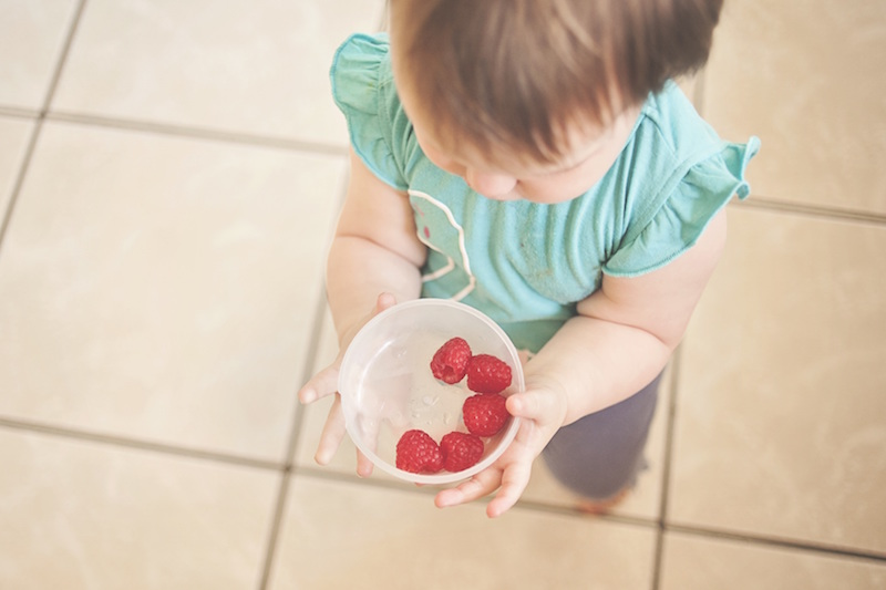 child-raspberry
